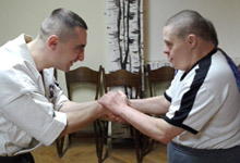 Wizyta zawodnika trenującego sztuki walki- karate Kyokushin